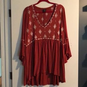 Flower embroidered tunic